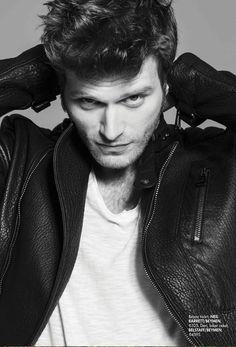 Kıvanç Tatlıtuğ (October Turkish actor and model. Turkish Men, Turkish Beauty, Turkish Actors, Hot Actors, Actors & Actresses, Popular Artists, Dapper Gentleman, Male Magazine, Famous Men