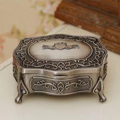 mpewt30mullingar_pewter_medium_antique_claddagh_jewelry_box_md2025l_640x640.jpg (350×350)
