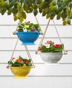 Flower Pots Discover Ceramic Colander Hanging Planters with Jute Rope Hanger Hanging Baskets, Hanging Planters, Planter Pots, Fall Planters, Hanging Chair, Backyard Fences, Front Yard Landscaping, Backyard Ideas, Garden Ideas