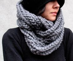 I've got a thing for scarves... love this chunky knit.