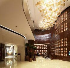 """Der Luxusbau von Emre Arolat Architects schaffte es nicht nur in der Kategorie """"Hotel and Leisure"""" auf die Shortlist des World Architecture Festivals, sondern auch in fünf Kategorien beim diesjährigen European Hotel Design Award"""