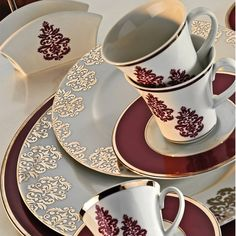 Kütahya Porselen İris 97 Parça 7031 Platin Desen Yemek Takımı