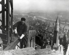 Empire State Building - worker 1930 - Impact Interior Prints