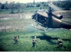 The vietnam war: jungle warfare, Marines