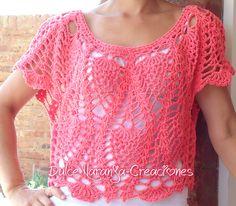 Blusa corta tejida en crochet color coral