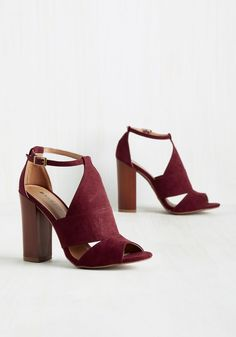 Strut's Happenin'? Block Heel in Maroon. A weekend in the city means a supremely packed social calendar. #red #wedding #modcloth