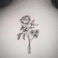 """Gefällt 1,574 Mal, 5 Kommentare - Frauke Katze (@fraukekatze) auf Instagram: """"Details.  #flowertattoo #botanicaltattoo #fraukekatze #fraukekatzetattoo  #tattoohamburg #botanical…"""""""