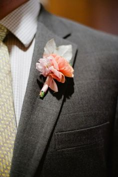 Boutonnieres For The Boys - Weddbook