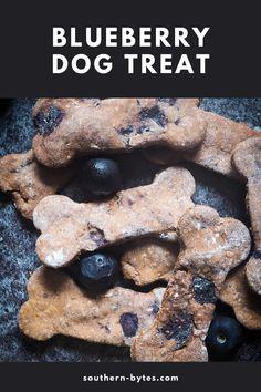 Crunchy Dog Biscuit Recipe, Blueberry Dog Treat Recipe, Dog Biscuit Recipes, Dog Treat Recipes, Dog Food Recipes, Homade Dog Treats, Pumpkin Dog Treats, Homemade Dog Food, Pet Treats
