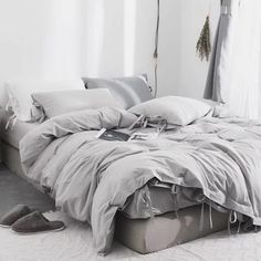 Shop Dark Gray Duvet Cover by AanyaLinen. This Dark Gray Duvet Cover helps to make your Ambiance so wonderful & colorful. Cheap Bedding Sets, Best Bedding Sets, Affordable Bedding, Luxury Bedding Sets, 100 Cotton Duvet Covers, Bed Duvet Covers, Duvet Cover Sets, Cute Duvet Covers, Grey Duvet