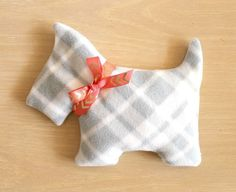 CUTE DIY Heating Pads for Gifting this Christmas | Crafts a la mode