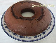 La torta al cacao pochi grassi e tanto gusto è una torta senza burro e con zucchero mascobado. L'ideale per un break leggero ma delizioso.