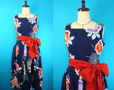White kimono wrap dress short-sleeved used by PriscillaTokyo