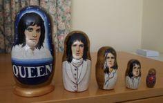 Queen nesting dolls