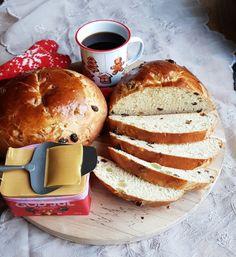 astridkokk – Grovt matpakkebrød i langpanne Brie, Tapas, Cake Recipes, Food And Drink, Snacks, Baking, Caramel, Appetizers, Bakken