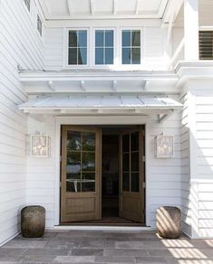 Stop by for a Peek at this Modern Rustic Farmhouse | SF Globe