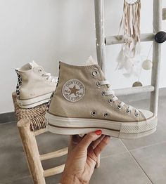 Dr Shoes, Hype Shoes, Me Too Shoes, Mode Converse, Sneakers Fashion, Fashion Shoes, Aesthetic Shoes, Fresh Shoes, Converse Shoes