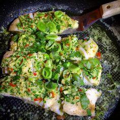 Food N, Food And Drink, Fish Recipes, Healthy Recipes, Healthy Food, I Love Food, Avocado Toast, Guacamole, Nom Nom