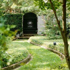 Garden Path Ideas: Mixed-Material Walkways