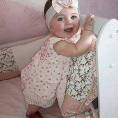 Super Baby Logo Little 23 Ideas Cool Baby, Cute Little Baby, Baby Kind, Cute Baby Girl, Little Babies, Baby Love, Beautiful Children, Beautiful Babies, Beautiful Smile
