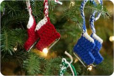 Free - Ravelry: Ice Skate Ornament pattern by Ashley Weeks Cart. My grandma used to make these. Crochet Christmas Stocking Pattern, Crochet Christmas Ornaments, Holiday Crochet, Christmas Stockings, Christmas Items, Christmas 2014, Crochet Crafts, Yarn Crafts, Crochet Projects