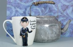 """tazza Mug """"Police"""" in ceramica con decorazioni realizzate a mano di telasimona su Etsy"""