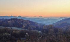 il paesaggio verso Montespineto e il Monte Tobbio