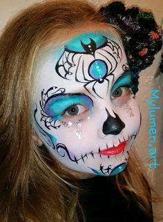Spooky sugar skull one stroke face paint Sugar Skull Face Paint, Sugar Skull Makeup, Sugar Skull Art, Sugar Skulls, Face Painting Designs, Body Painting, Maquillage Halloween, Halloween Face Makeup, Deco Haloween