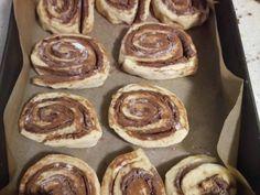 Pihe puha kakaós csiga 🐌 recept lépés 5 foto Pancakes, Breakfast, Food, Breakfast Cafe, Pancake, Essen, Yemek, Meals, Crepes
