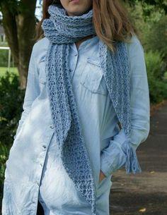Kijk wat ik gevonden heb op Freubelweb.nl: een gratis haakpatroon van Happiness with Yarn om deze leuke sjaal te maken https://www.freubelweb.nl/freubel-zelf/gratis-haakpatroon-sjaal-29/