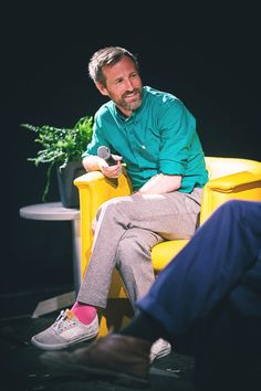 These Tings Take Time / Spike Jonze Director Very Clever. A smart sweet guy. Spike Jonze, Love My Man, Men Closet, Sweet Guys, Pink Socks, Charming Man, Colored Pants, Casual Looks, Gentleman