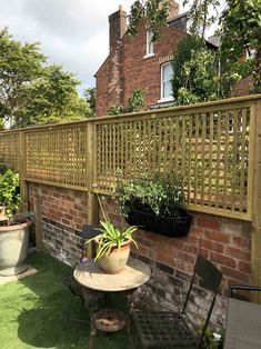 Our premier lattice trellis panels make timeless screens and feature structures in your garden and are ideal for use with climbing plants; Small Garden Trellis, Garden Trellis Panels, Wall Trellis, Trellis Fence, Garden Privacy, Lattice Fence Panels, Decorative Fence Panels, Trellis Ideas, Privacy Fences