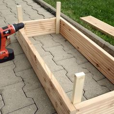 Build planters yourself - Diy Garden Projects Diy Garden, Garden Boxes, Garden Projects, Garden Paths, Garden Art, Diy Planters, Garden Planters, Pallet Planters, Pallet Creations