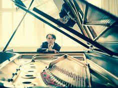 """Deutsche Grammophon on Twitter: """".@daniil_trifonov extends his discography with #Liszt's complete concert Études! Explore: https://t.co/HpBEnffLiq https://t.co/ziNpSmV15e"""""""