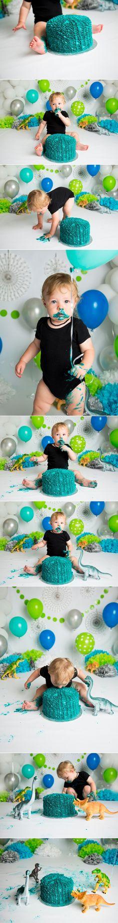 Green & Blue Dino Cake Smash | Holly Schaeffer Photography | Newborn & Cake Smash Photographer