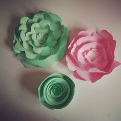 template paper flower at pink & mint