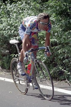 This guy looks like the detergent aisle at Target. Cycling Art, Cycling Tours, Vintage Cycles, Bicycle Race, Road Racing, Bridesmaid, Guys, Classic, Sports