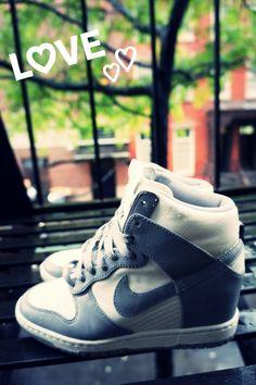 Nike compensées !