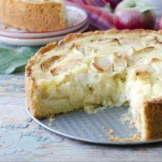 Bizcocho de manzana cuatro cuartos Sweet Desserts, Dessert Recipes, Sweet Cooking, Mcdonalds, Apple Pie, Banana Bread, Bakery, Deserts, Cooking Recipes