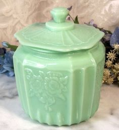 Jade Green Glass Cookie Biscuit Jar Mayfair Rose Design - I imagine you could get this effect with a glass jar and the right spray paint? Vintage Dishes, Vintage Glassware, Vintage Kitchen, Vintage Tableware, Glass Cookie Jars, Green Milk Glass, Mayfair, Vintage Cookies, Vintage Cookie Jars
