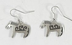 Authentic Native American horse earrings Wire style by Robert Gene Navajo Native American Horses, Indian Horses, Native American Earrings, Silver Horse, Vintage Earrings, Navajo, Statues, Equestrian, Hand Carved