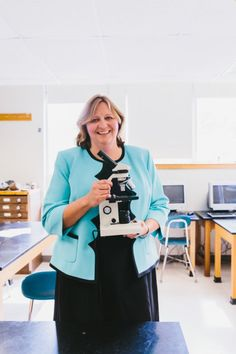 How Nancy Gifford hooks students on #STEM with #NASA missions and trips to Hawaiian volcanoes. Nancy Gifford | 7th Grade Science Teacher, Monomoy Regional Middle School #Teacher #CareerAdvice #Education #Educator #School #Science
