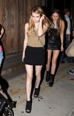 Picture of Emma Roberts Fashion Idol, Fashion Outfits, Nail Fashion, Fashion Clothes, Street Fashion, Emma Roberts Style, Eric Roberts, Hollywood Fashion, Hollywood Style