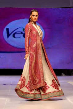 Zara Shahjahan's collection at Veet Celebration of Beauty 09