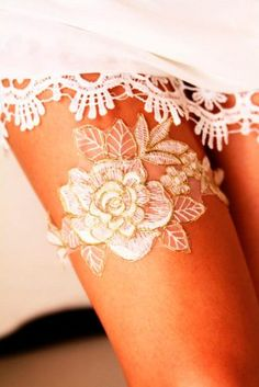 Amazing Garters for Your Perfect Wedding Look picture 6