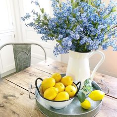 Welcome to the great Lemon in Decor Debate. 🍋My buddies in the North Kim and Terri say it's too… Lemon Kitchen Decor, Kitchen Themes, Farmhouse Kitchen Decor, Farmhouse Ideas, Farmhouse Chic, Kitchen Designs, Kitchen Ideas, Lemon Centerpieces, Kitchen Centerpiece