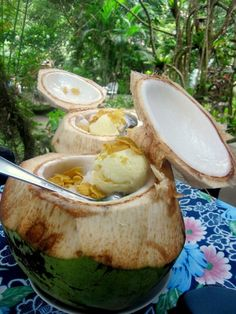 By far the yummiest halo-halo in a buko I have tasted. Camping Places, Camping Meals, Forest Camp, Halo Halo, Valencia, Yum Yum, Philippines, Oriental, Bbq