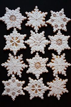 Cookies Decorated Ideas Snowflake Ideas For 2019 Christmas Sugar Cookies, Christmas Sweets, Christmas Cooking, Noel Christmas, Holiday Cookies, Gingerbread Cookies, Christmas Biscuits, Ginger Cookies, Iced Cookies