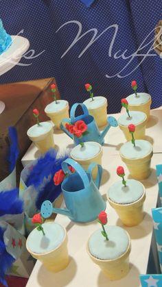 Constantino cumplió un añito y sus papis eligieron la famosa historia de Saint Exupery como tema central de la fiesta Les Muffins v... Prince Party Theme, Little Prince Party, Prince Birthday Party, The Little Prince, 2nd Birthday Parties, Baby Boy Birthday Cake, Prince Cake, Storybook Baby Shower, Baby Party
