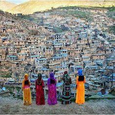 The historical Kurdish village of Palangan, Kurdistan Province, Iran. Kurdistan, Summer Vine, Persian Architecture, Cute Couple Wallpaper, Purple Carpet, Persian Pattern, Iran Travel, Persian Culture, Female Fighter